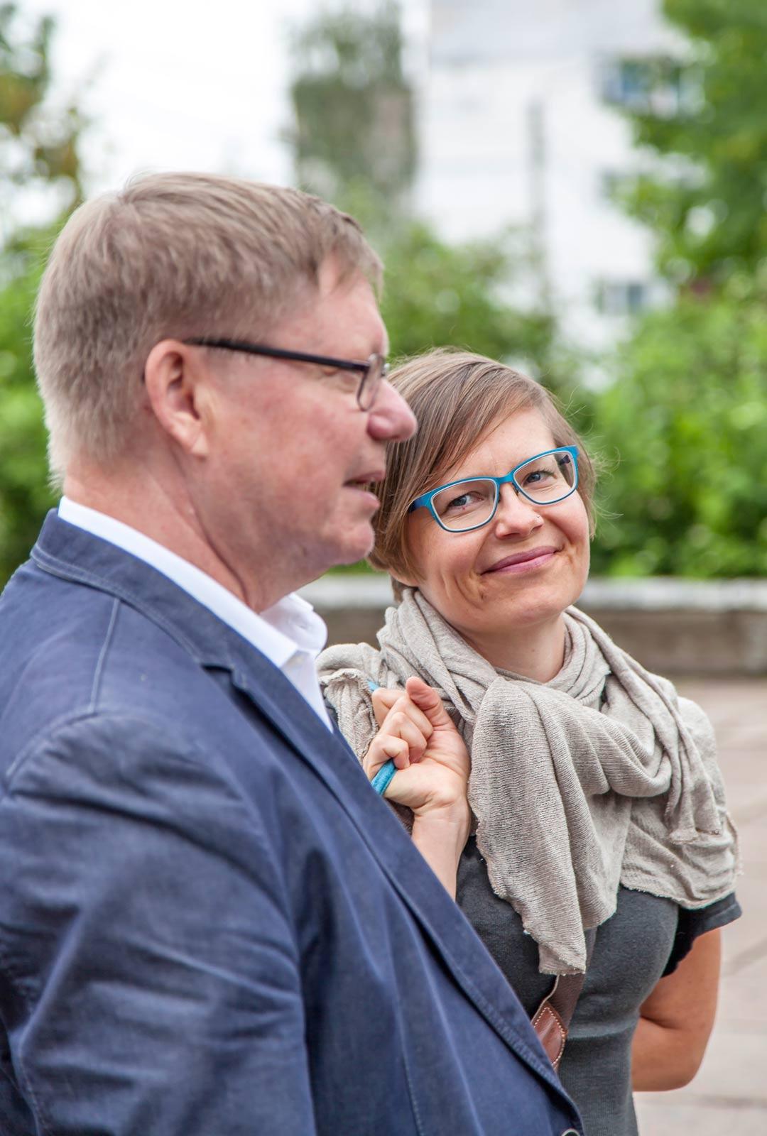 Karjalainnostus siirtyy isältä tyttärelle, Pekka Toivoselta Elina Toivoselle.