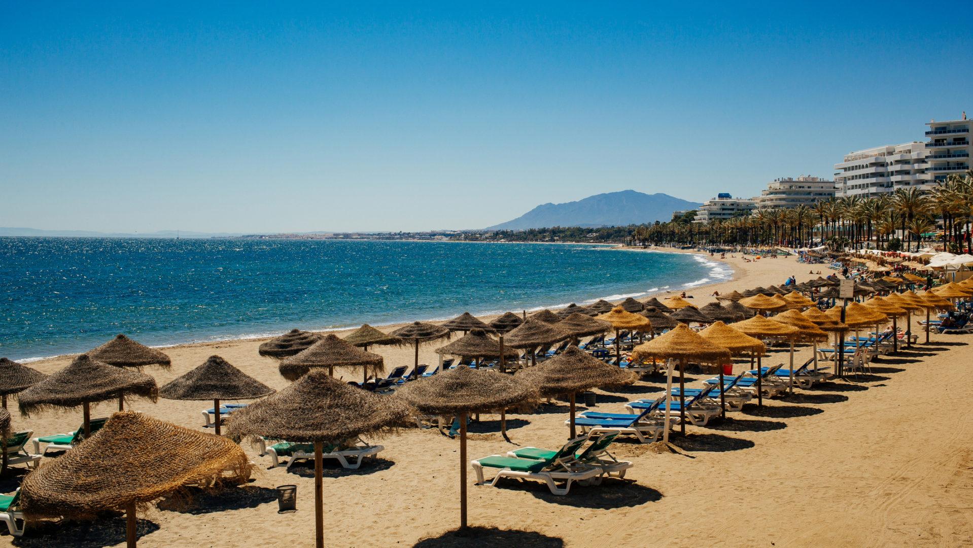 Nanna Karalahti viettää nyt kolme kuukautta Espanjan Marbellassa.