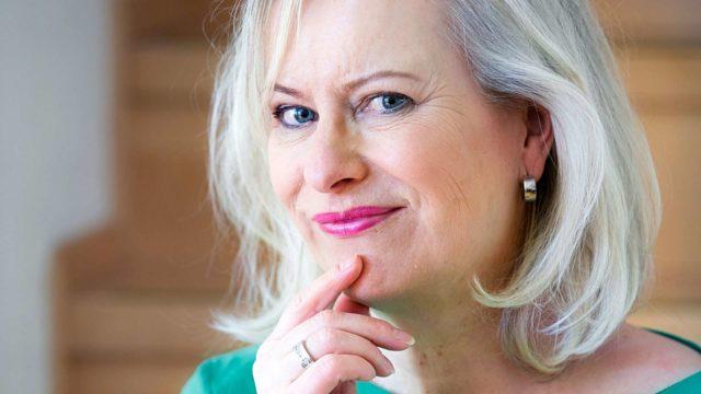 Kirjailija Sinikka Nopola on syntynyt 26.11.1953.
