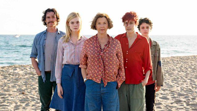 Kuvassa Billy Crudup, Elle Fanning, Annette Bening, Greta Gerwig ja Lucas Jade Zumann.