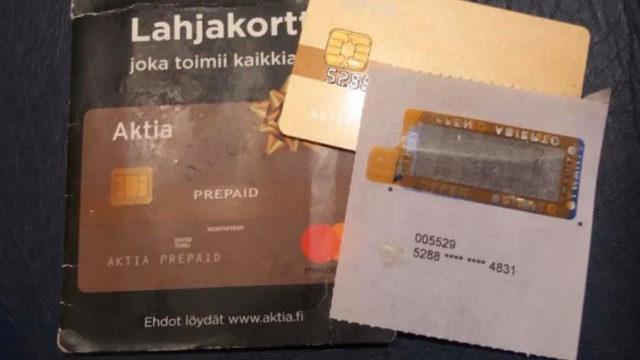 Aktian lahjakortti suli vuodessa, kun joka kuukausi siltä veloitettiin 2 euroa pankin taholta.