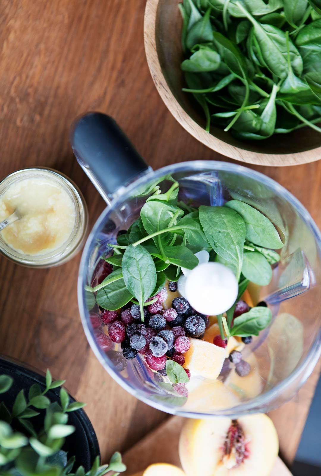 Camilla ja hänen miehensä opettelivat elämänmuutoksen myötä syömään enemmän kasvisruokaa.