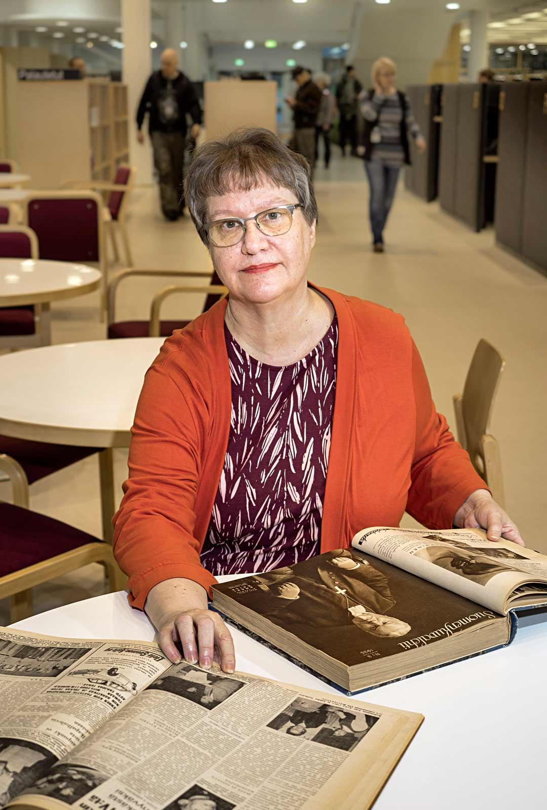 Eija Eskola halusi tallentaa kirjastojemme historian ja kirjoitti siitä kirjan, Tarinaa kirjastoista ja lukemisesta vuosilta 1910–1970.