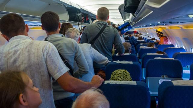 """""""Toisaalta, mitä useammin ruumassa kuljetettavasta matkatavarasta otetaan lisämaksua, sitä enemmän matkustajat matkustavat pelkillä käsimatkatavaroilla, mikä osaltaan suurentaa käsimatkatavaroiden kokoa"""", Nurmi toteaa."""
