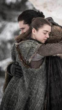 Maisie Williams ja Kit Harington Game of Thronesin päätöskaudella.