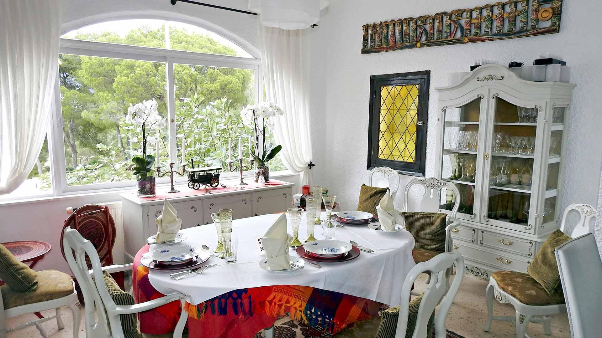 Mika Hartikaisen majatalossa La Haciendassa viihtyy moni suomalainen talvilomailija. Ruoka on maittavaa ja tuttua.