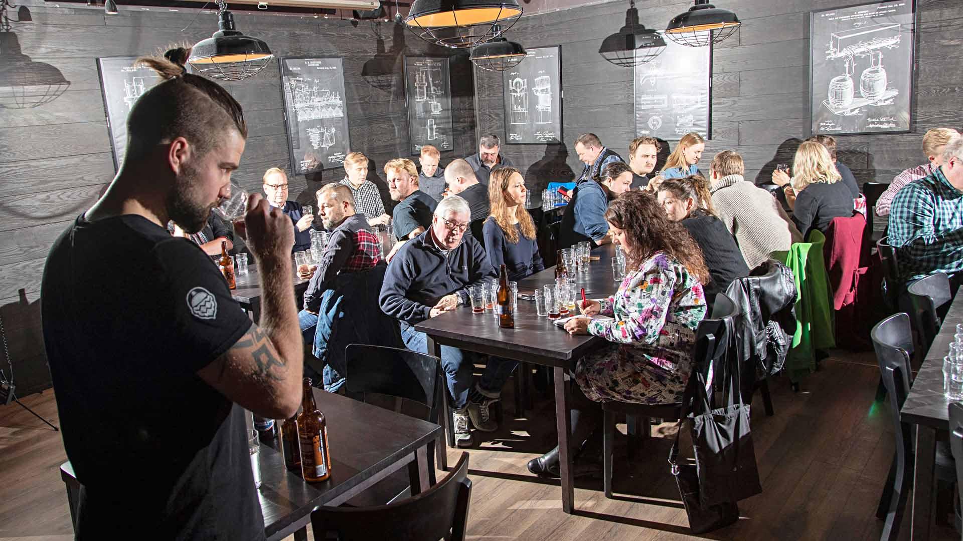 Pääkaupunkiseudulla järjestetään paljon olutmaisteluita. Asiakkaat ovat yleensä pääosin miehiä.