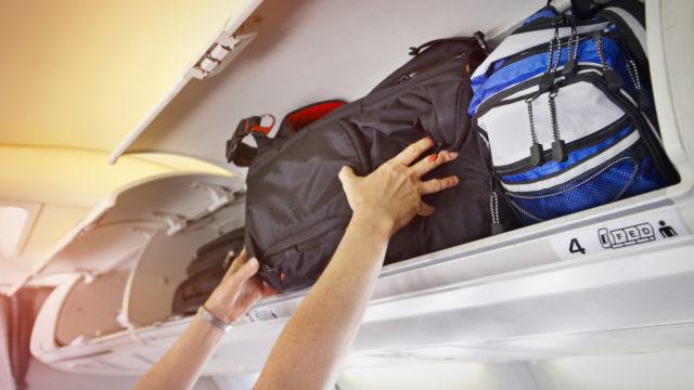 Hätätilanteessa matkustajien on noudatettava evakuointikäskyjä ja jätettävä matkatavarat paikoilleen.