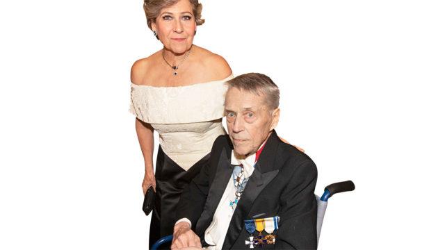 Matti Ahde oli Linnassa ensimmäisen kerran jo vuonna 1970. Vaimo Hilkka Ahteelle kerta oli 43.