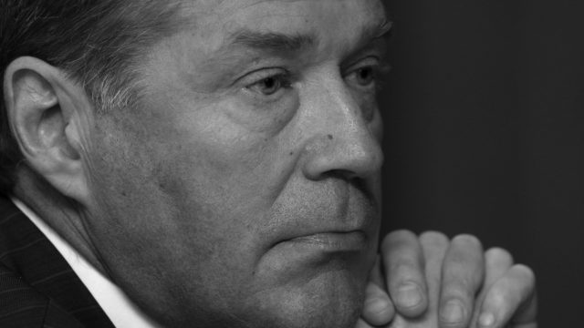 SDP:n pitkäaikainen kansanedustaja, ministeri Matti Ahde on kuollut 73-vuotiaana.