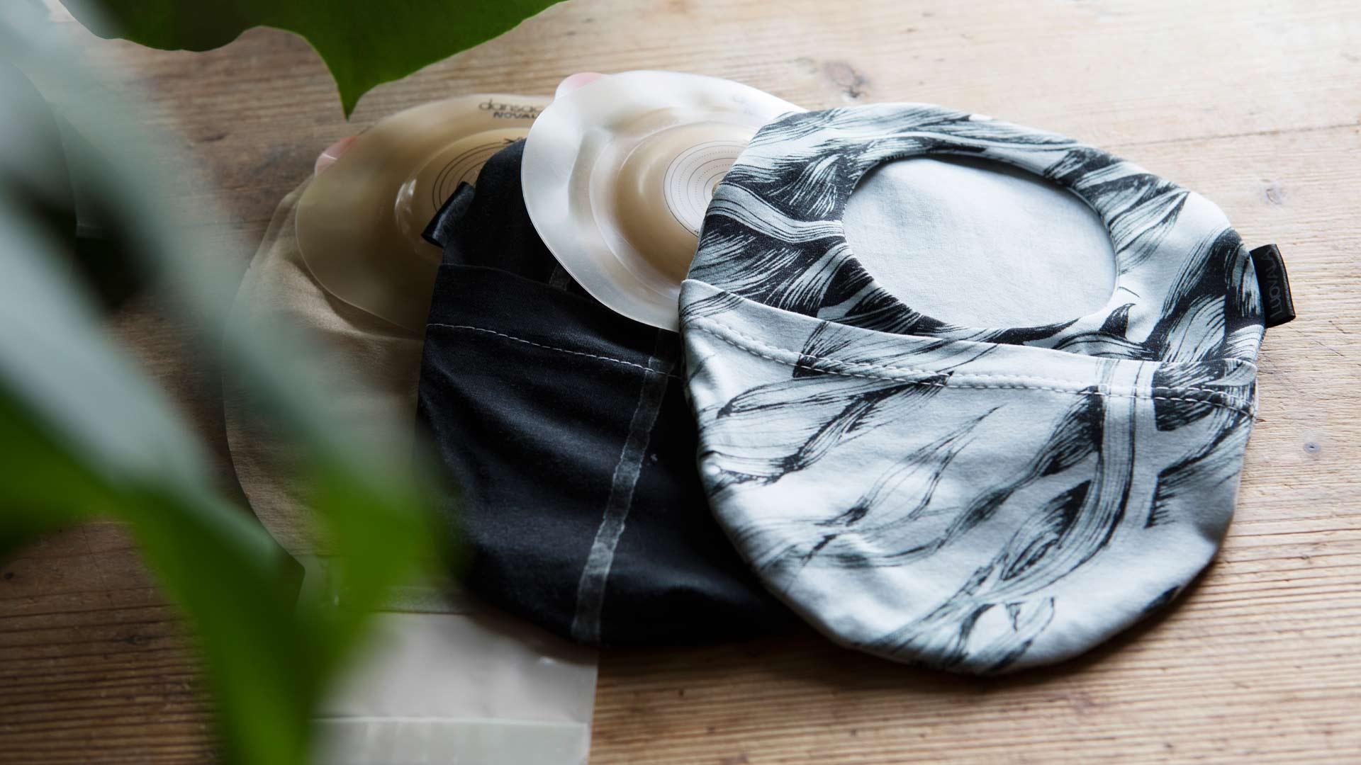 Minna on ommellut avanteensa suojaksi erilaisia avannepusseja. Asusteen tapaan Minna vaihtaa toisinaan pussukan sopimaan vaatteisiinsa.