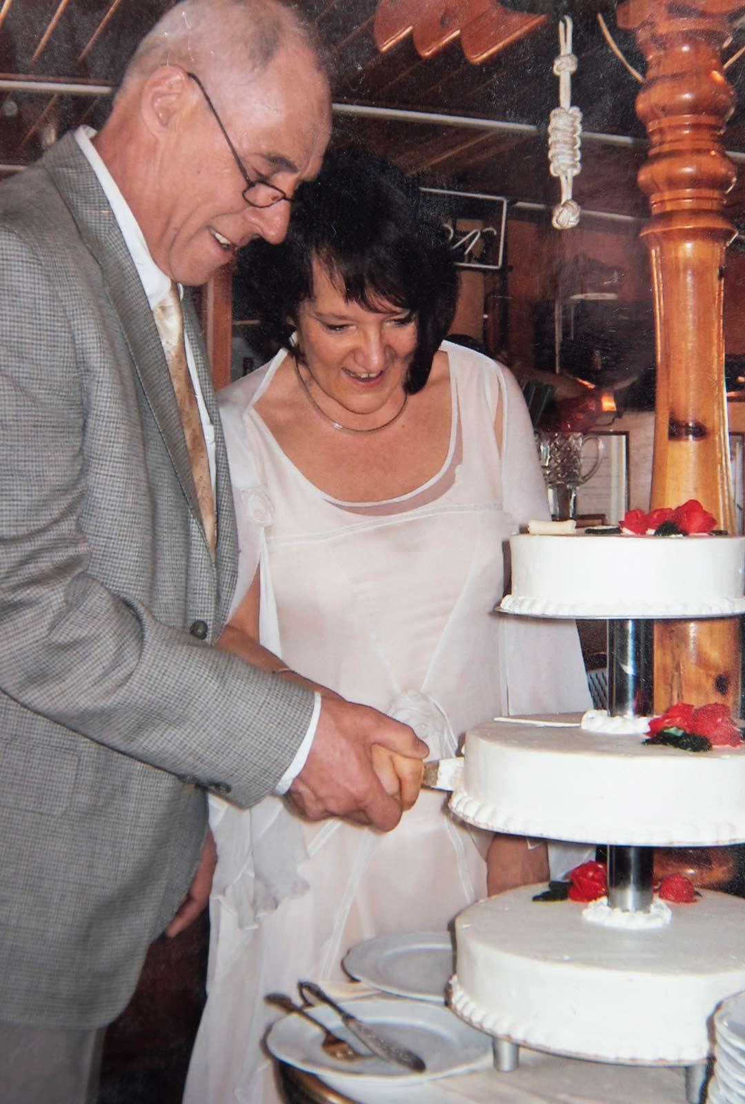 Monika ja Hilding menivät naimisiin 11. toukokuuta vuonna 2008 Tenholan kirkossa Tammisaaren lähellä.
