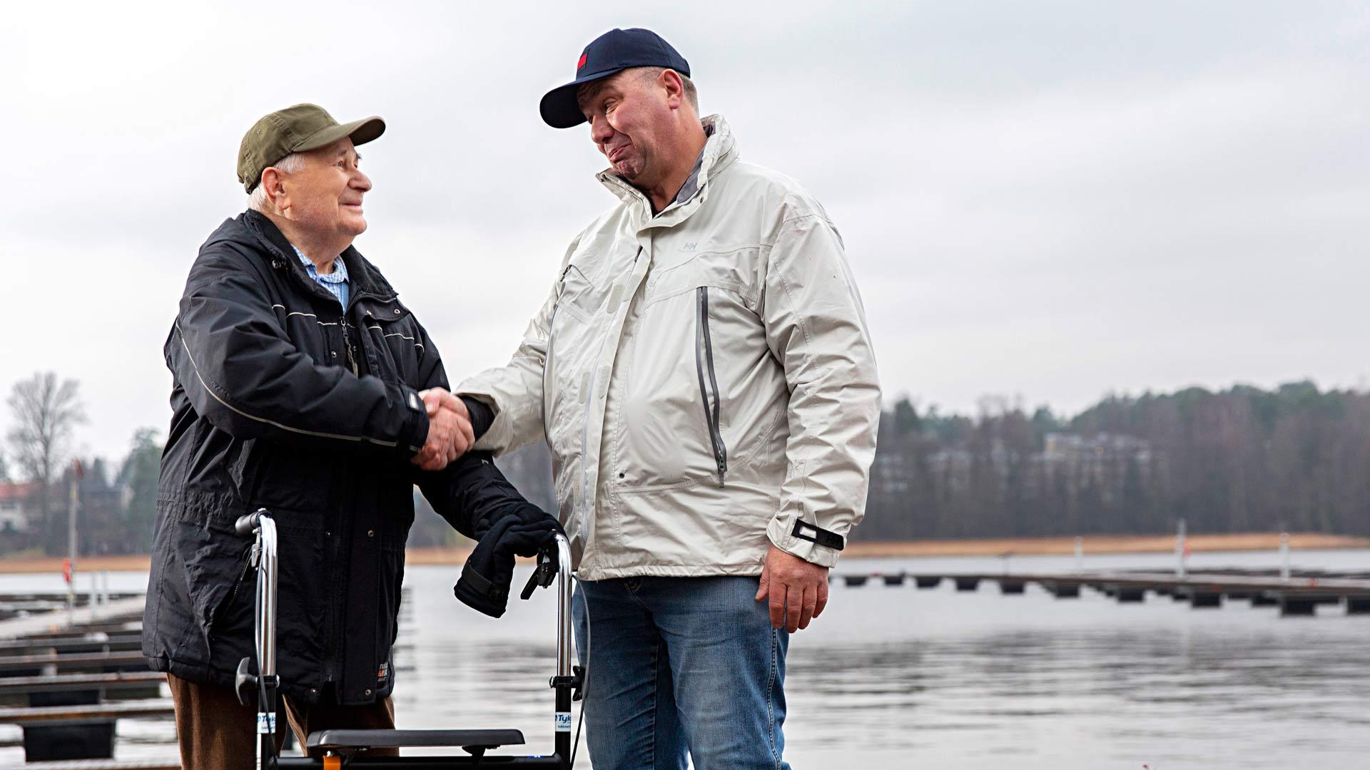 Ole Sundberg kuljetti työtoverinsa kanssa Neuvostoliitosta paenneen Mart Vahterin veneellään Soukan venekerhon laituriin vuonna 1978.