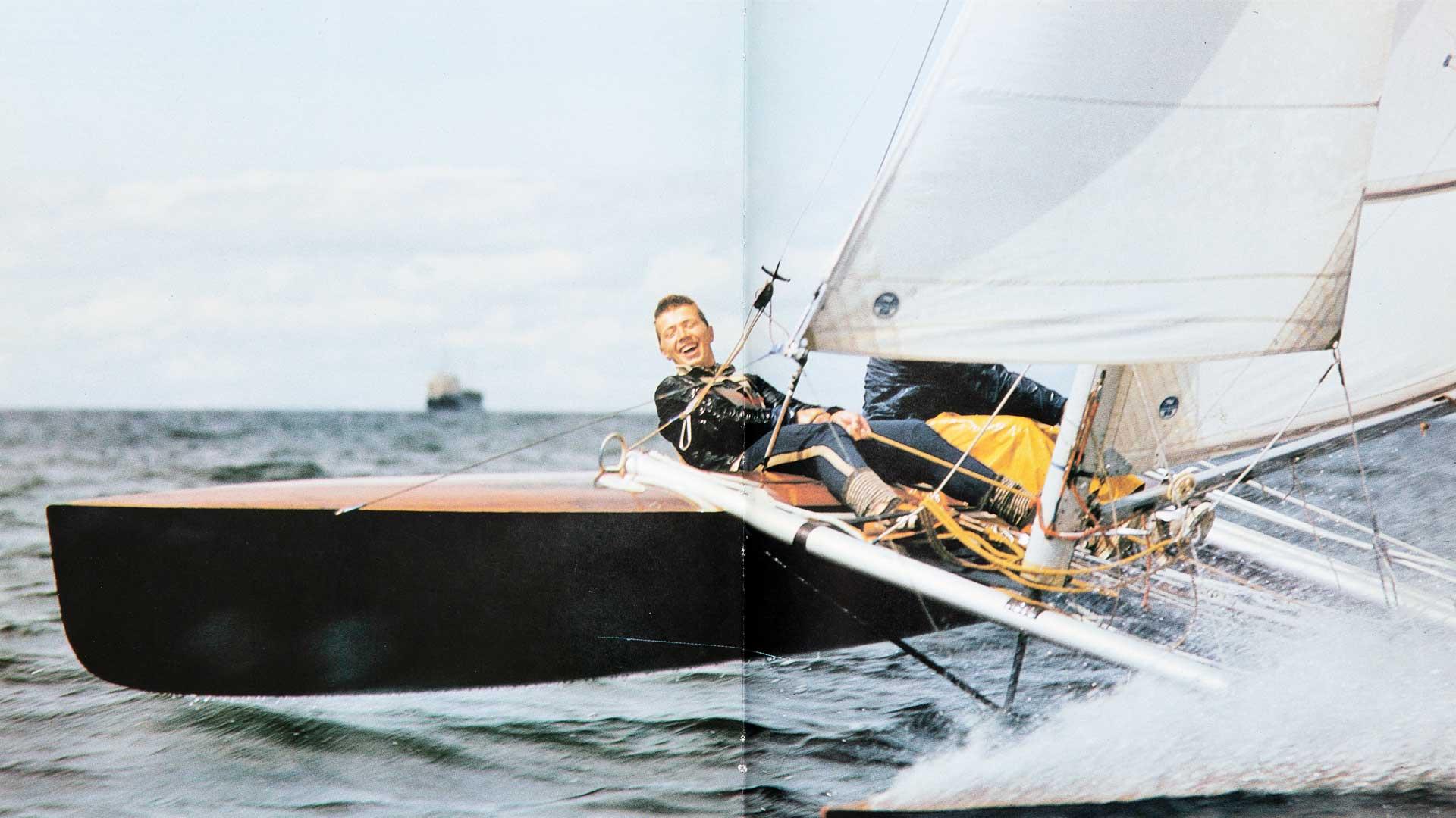Tämä kuva Vahterista pääsi Neuvosto-Eestissä julkaistuun purjehduskirjaan. Hänen loikkauksensa jälkeen teos vedettiin pois myynnistä.