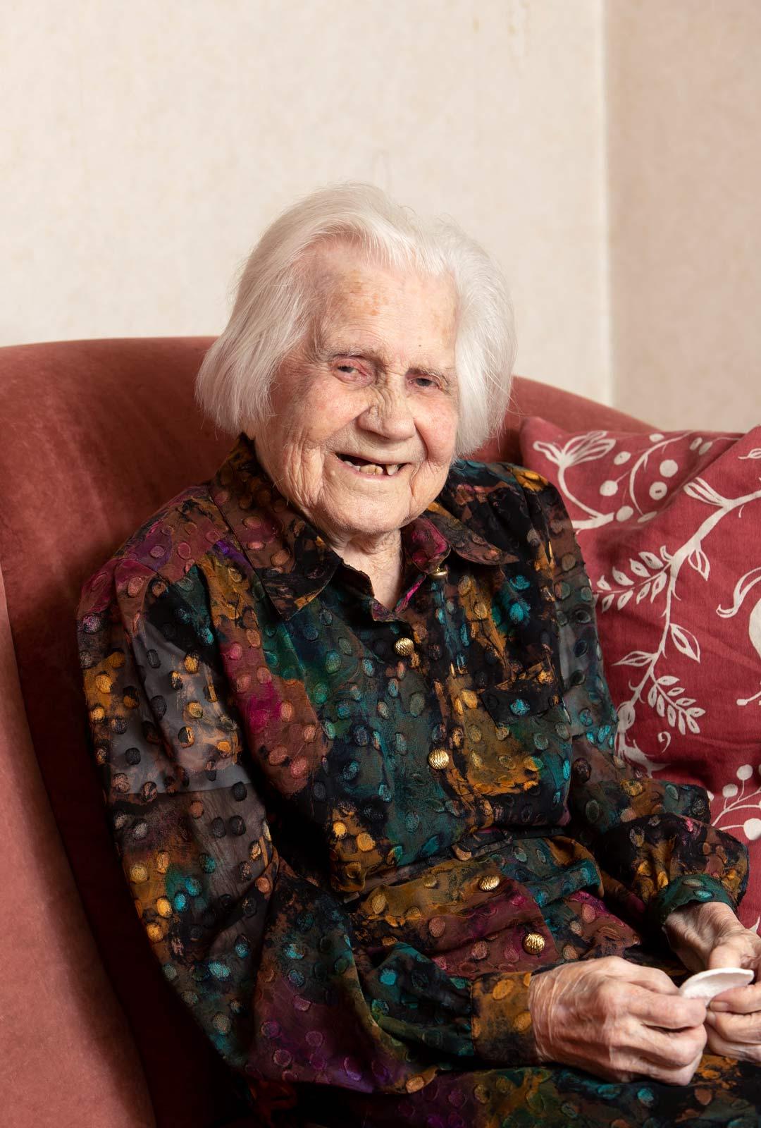 Saima on varsinainen teräsrouva, joka uskoo, että pitkän iän salaisuus löytyy ravinnosta.