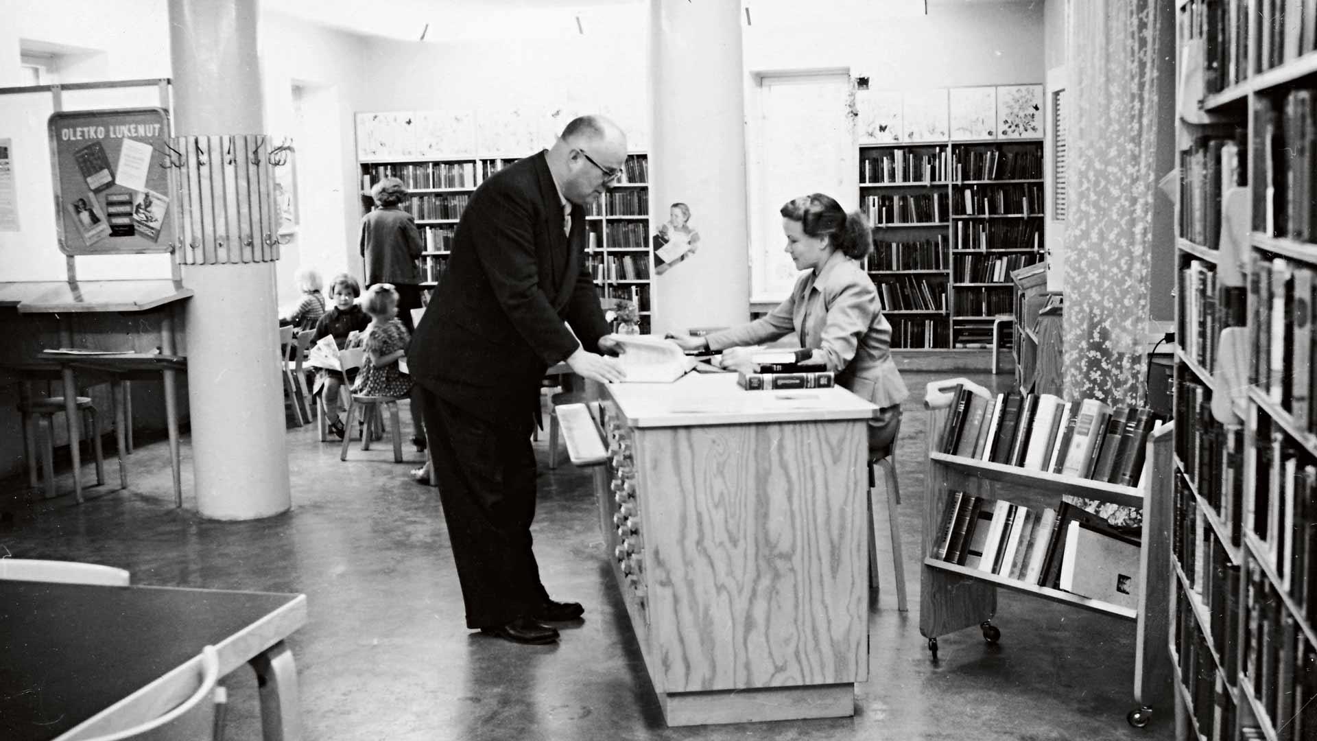 Kivimaan sivukirjasto Lahdessa avattiin 1951.