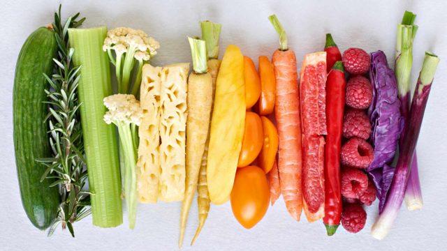 Hiljaista tulehdusta sammuttavassa dieetissä päivän kasvistavoite on nostettu 800 grammaan vuorokaudessa.