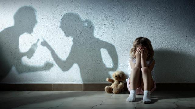 On tärkeää, että kaikki väkivaltaisessa perheessä elävät tekevät itselleen suunnitelman siitä, miten voivat turvata itsensä ja lapset tilanteiden uhatessa kärjistyä.
