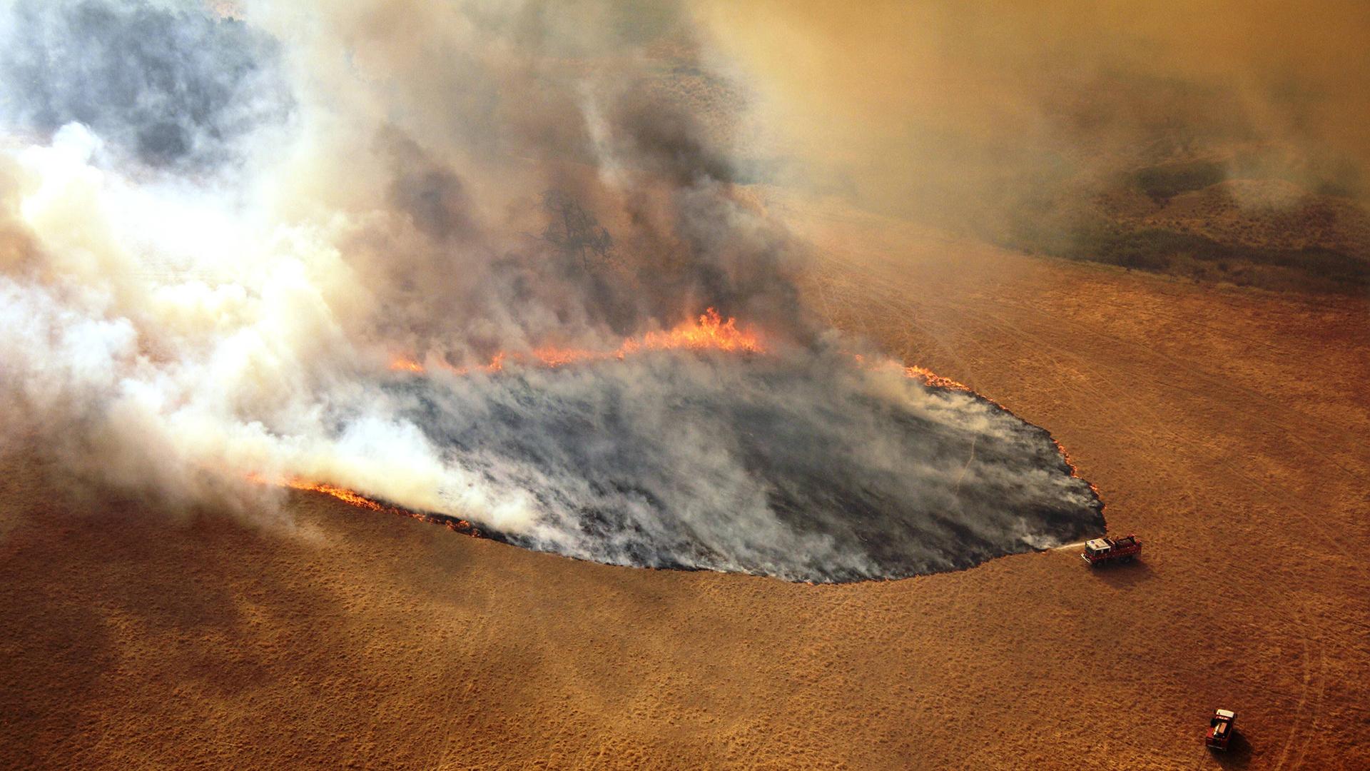 Australiassa Victoriankin osavaltiossa 20-luku alkoi valtavien tulipalojen hallittessa maastoa.