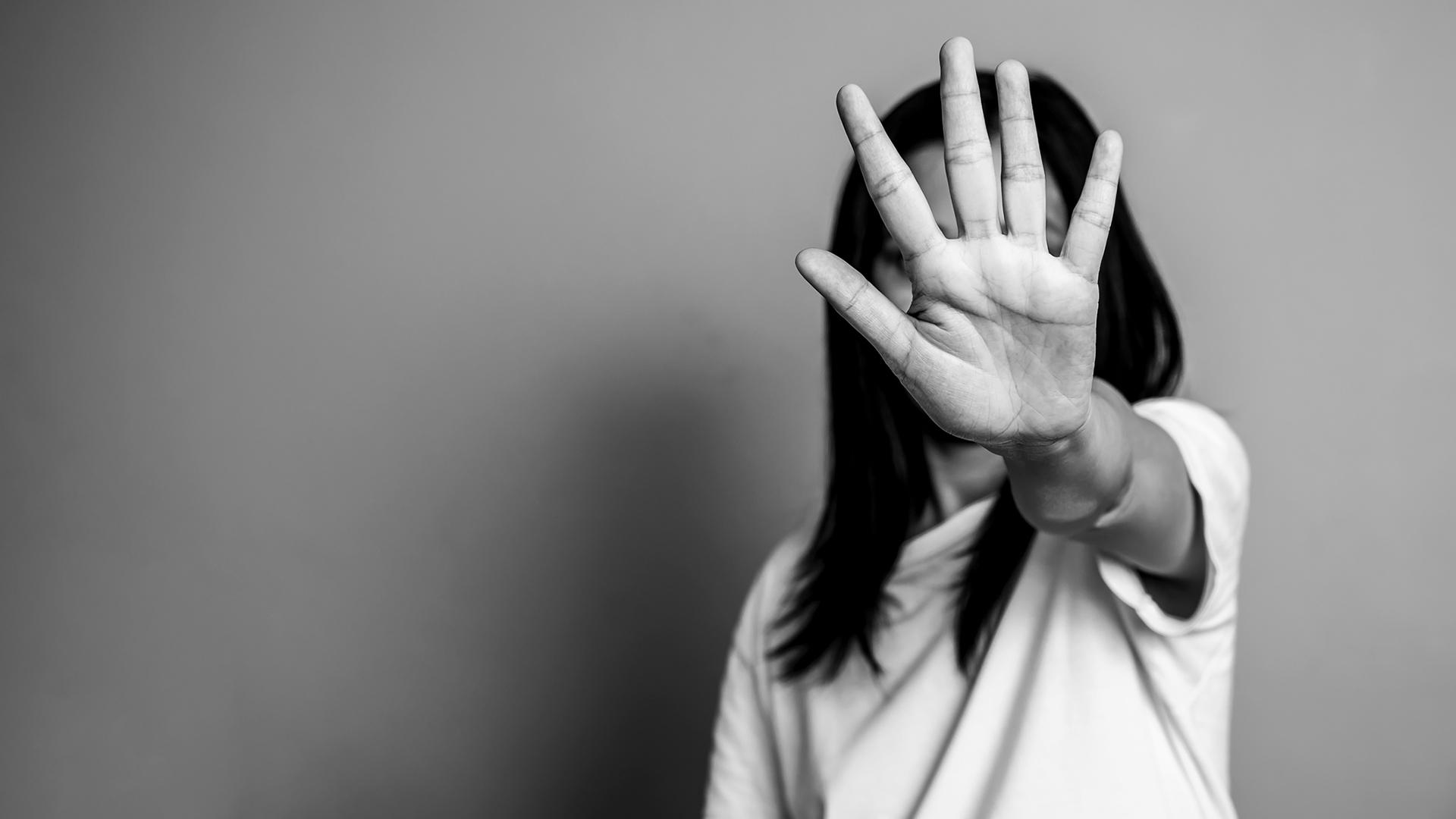 Kunniaväkivalta jää usein tuomitsematta selviää tuoreesta väitöstutkimuksesta.