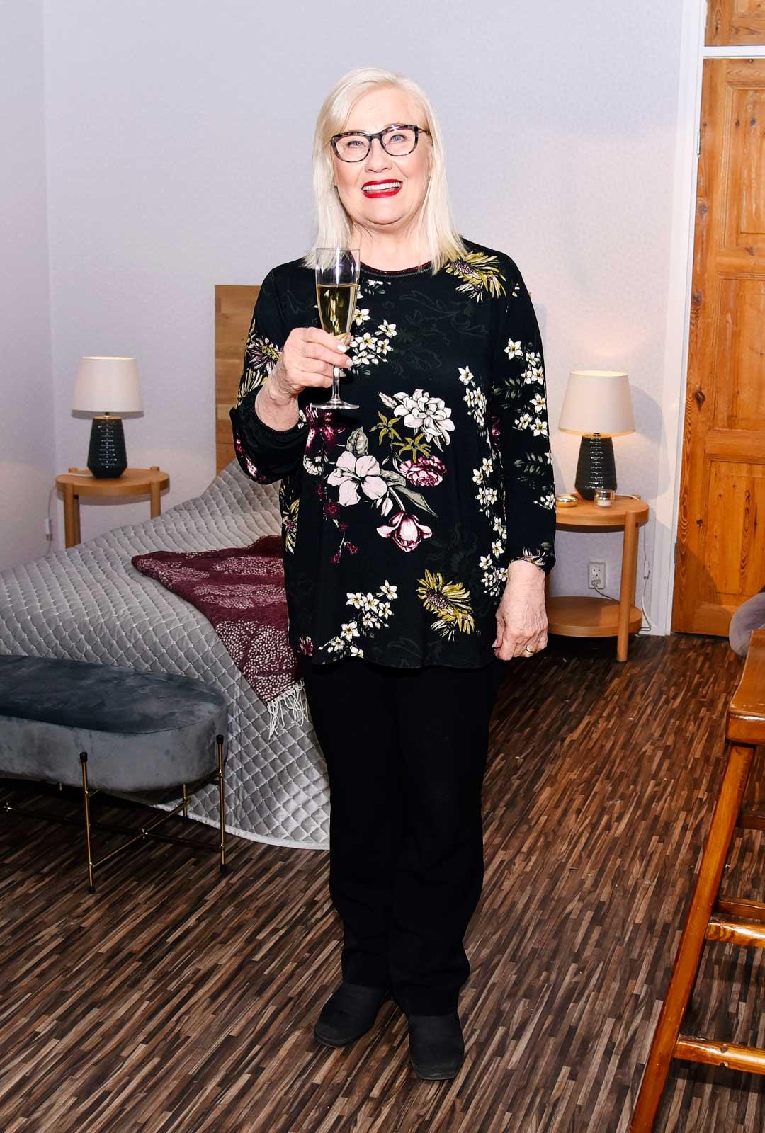 Maija-Liisa Peuhu näyttelee Salatuissa elämissä Ullaa.