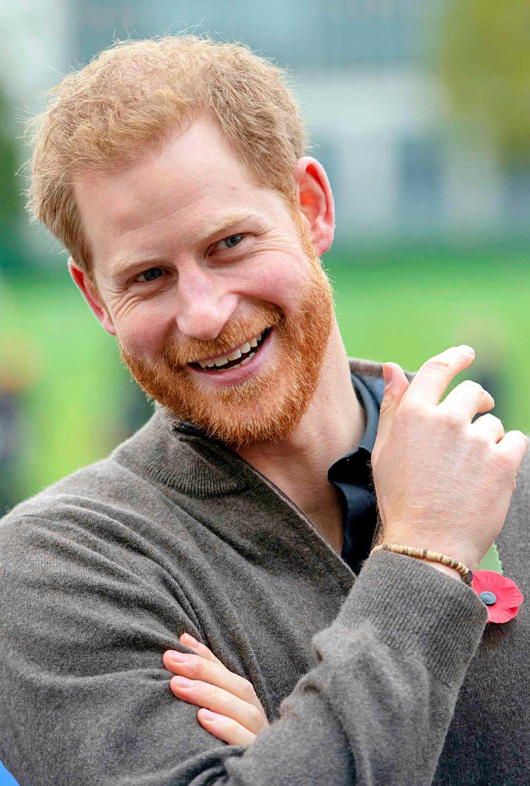 Perheen perustaminen on luonnollisesti etäännyttänyt Harrya veljestään. Hän haluaa nyt olla perheensä pää ja isäntä omassa talossaan.