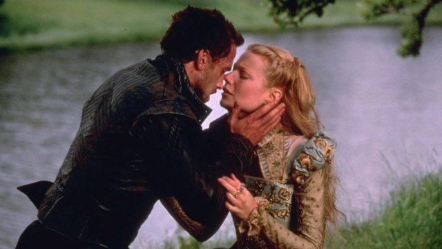 Joseph Fiennes ja Gwyneth Paltrow elokuvassa Rakastunut Shakespeare.