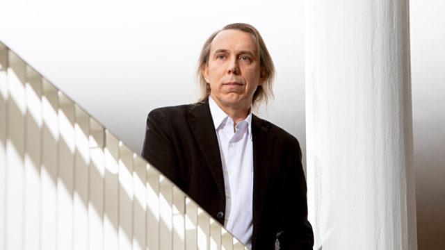 Professori Teppo Kröger on kollegoidensa kanssa puhunut hoivatyön ongelmista jo parikymmentä vuotta.