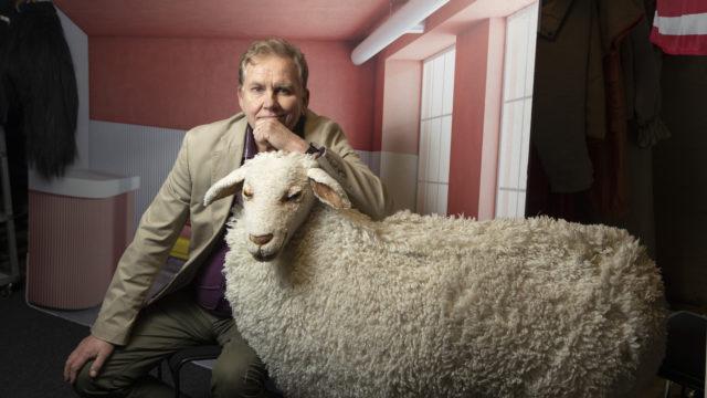 Jarmo Heikkinen on myös lausuntataiteilija. Hän esiintynyt esimerkiksi Kansallisteatterin Lavaklubilla.