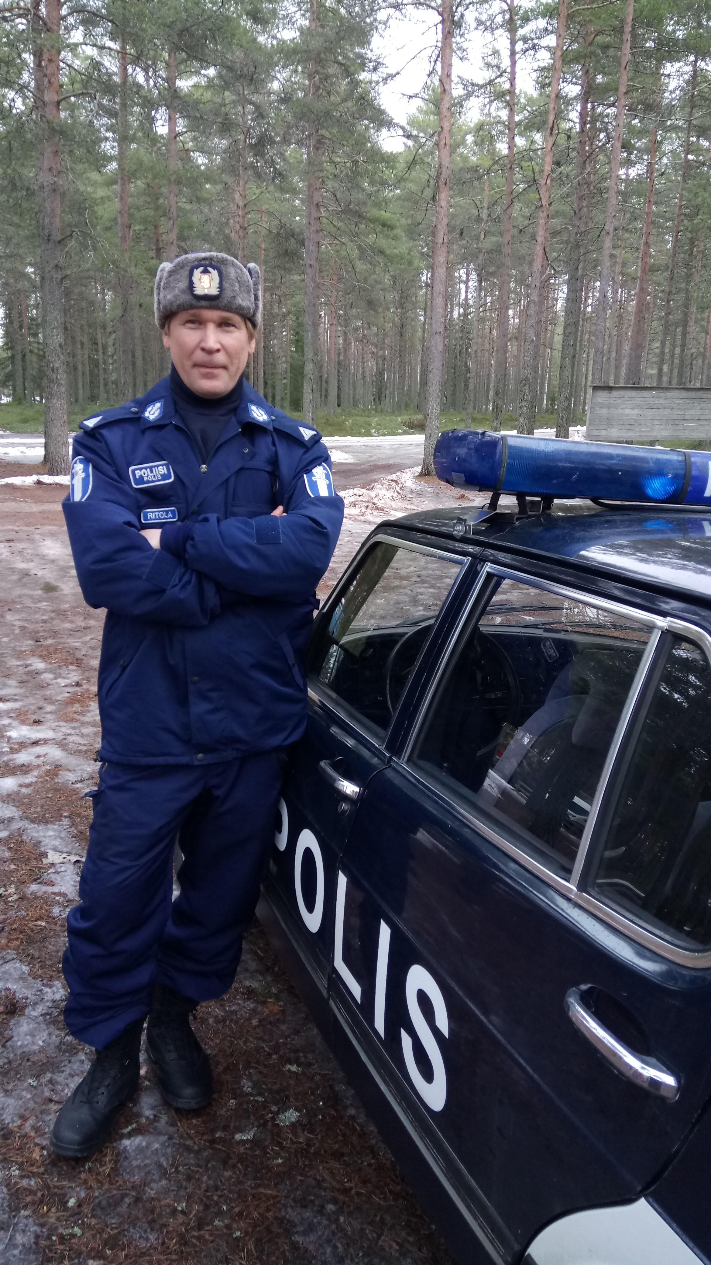 Matti Ristisen näyttelemän Jussi Ritolan elämä ajautuu sekasortoon rikostutkinnan myötä.