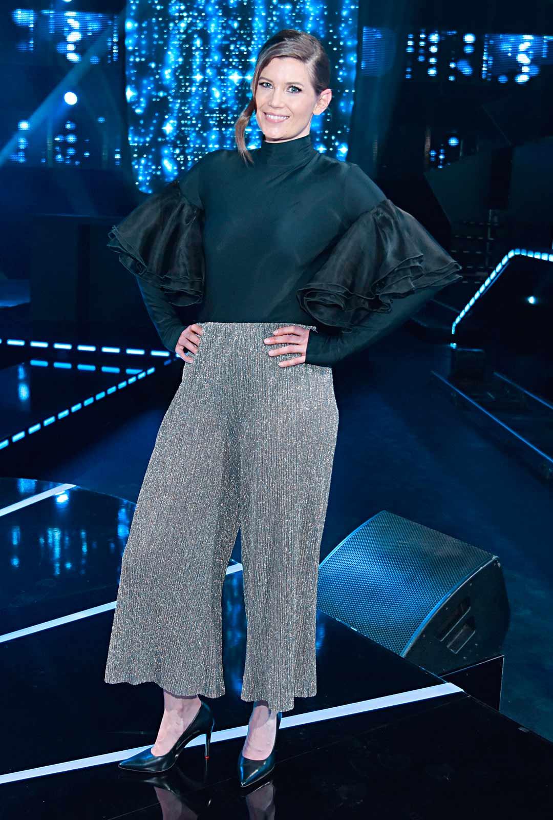 Laura Närhi on myös mukana uudessa All Together Now Suomi -viihdeohjelmassa.