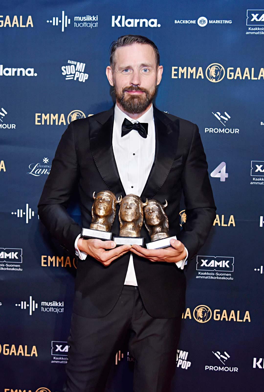 Lauri Tähkä voitti vuoden artisti -palkinnon.