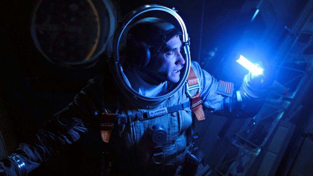 Jake Gyllenhaal on lääkintäupseeri, joka viihtyy avaruusaseman painottomuudessa paremmin kuin maan päällä