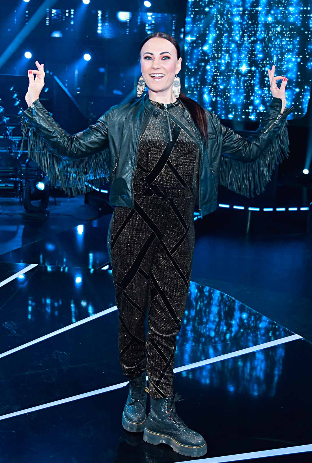 Laulaja Mira Luoti keikkailee Jouni Hynysen kanssa.