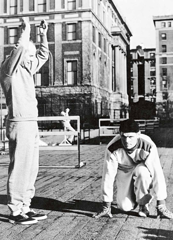 Ennen ensimmäisiä kilpailujaan Taisto Mäki harjoitteli Paavo Nurmen johdolla hotellinsa katolla keskellä New Yorkin kivierämaata.