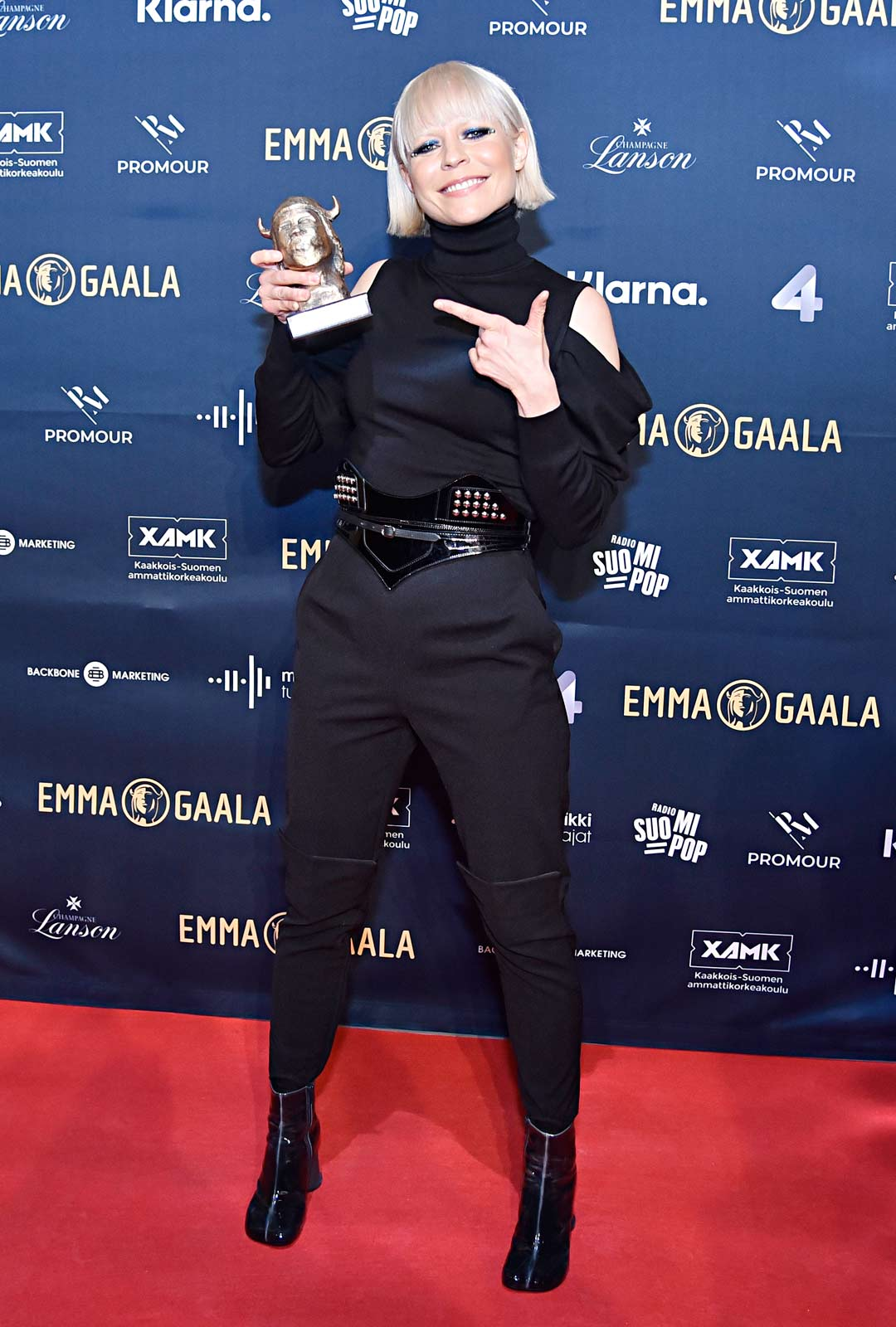 Paula Vesala palkittiin Live-Emmalla.
