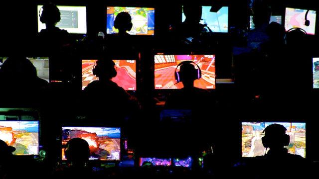 Nuoret pelaajat kertovat kuinka he ravistelivat itsensä irti tietokonepelien kahlitsevasta maailmasta.