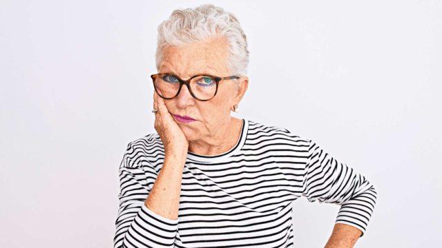 Kovaa stressiä on epäilty osatekijäksi hiusten ennenaikaiseen harmaantumiseen.
