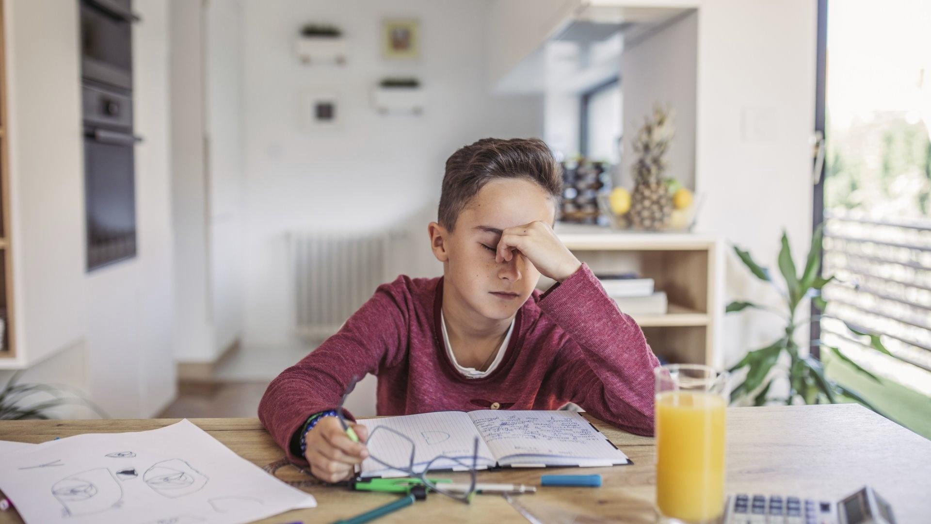 Päivää rytmittävien sosiaalisten kontaktien vähyys ja liikunnan puute haittaavat lasten ja nuorten keskittymistä.