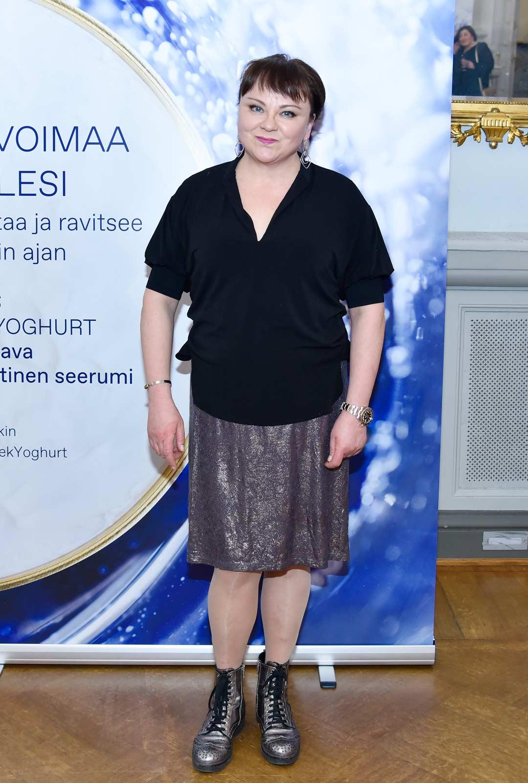Koronauutiset olivat saaneet myös näyttelijä Anna-Leena Sipilän varautumaan.
