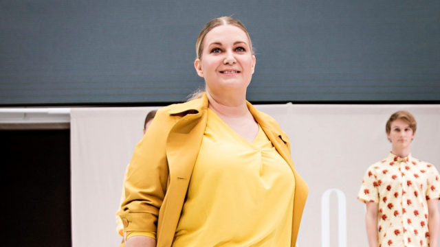 Heli Säkkisen huippuhetkiin kuuluu osallistuminen Sokoksen järjestämään tavallisten ihmisten muotinäytökseen.