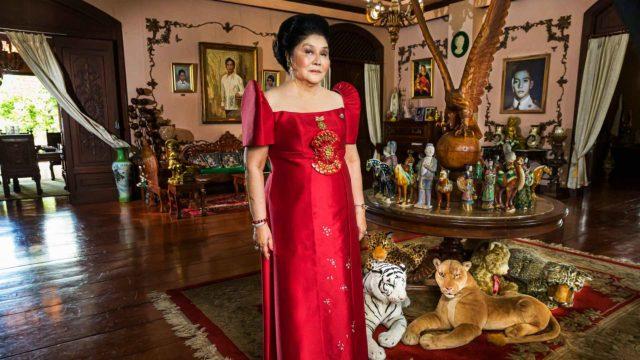 Imelda Marcosin paluun taustalla väikkyy vakava yritys nostaa Marcosin suku jälleen Filippiinien johtoon Imelda Marcos, kuninkaantekijä