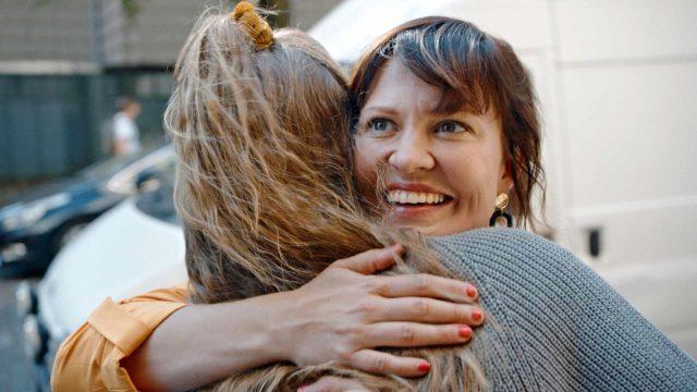 Lotta Kaihuan (kuvassa) ja Ella Lahdenmäen tähdittämä 10-osainen Paras vuosi ikinä ilmestyy C Moressa 26.3. alkaen kahden jakson viikkotahdilla.