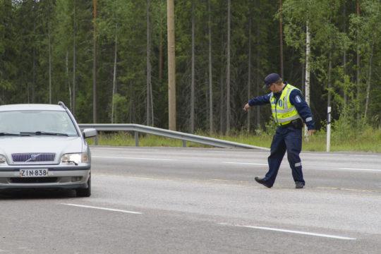 Yksittäisistä poliisin tehtävistä eniten ovat lisääntyneet liikenteeseen liittyvät tehtävät.