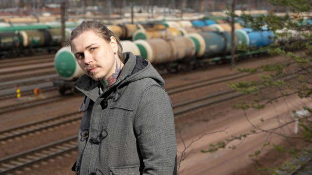 32-vuotias Ville Saarinen paloi pahoin, kun hän teini-iässä kiipesi junavaunun katolle ja sai 25000 voltin sähköiskun.
