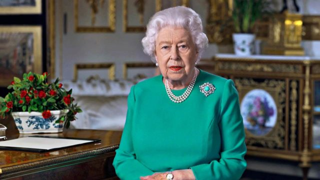 Kuningatar Elisabet ja prinssi Philip viettivät pääsiäistä Windsorin linnassa.