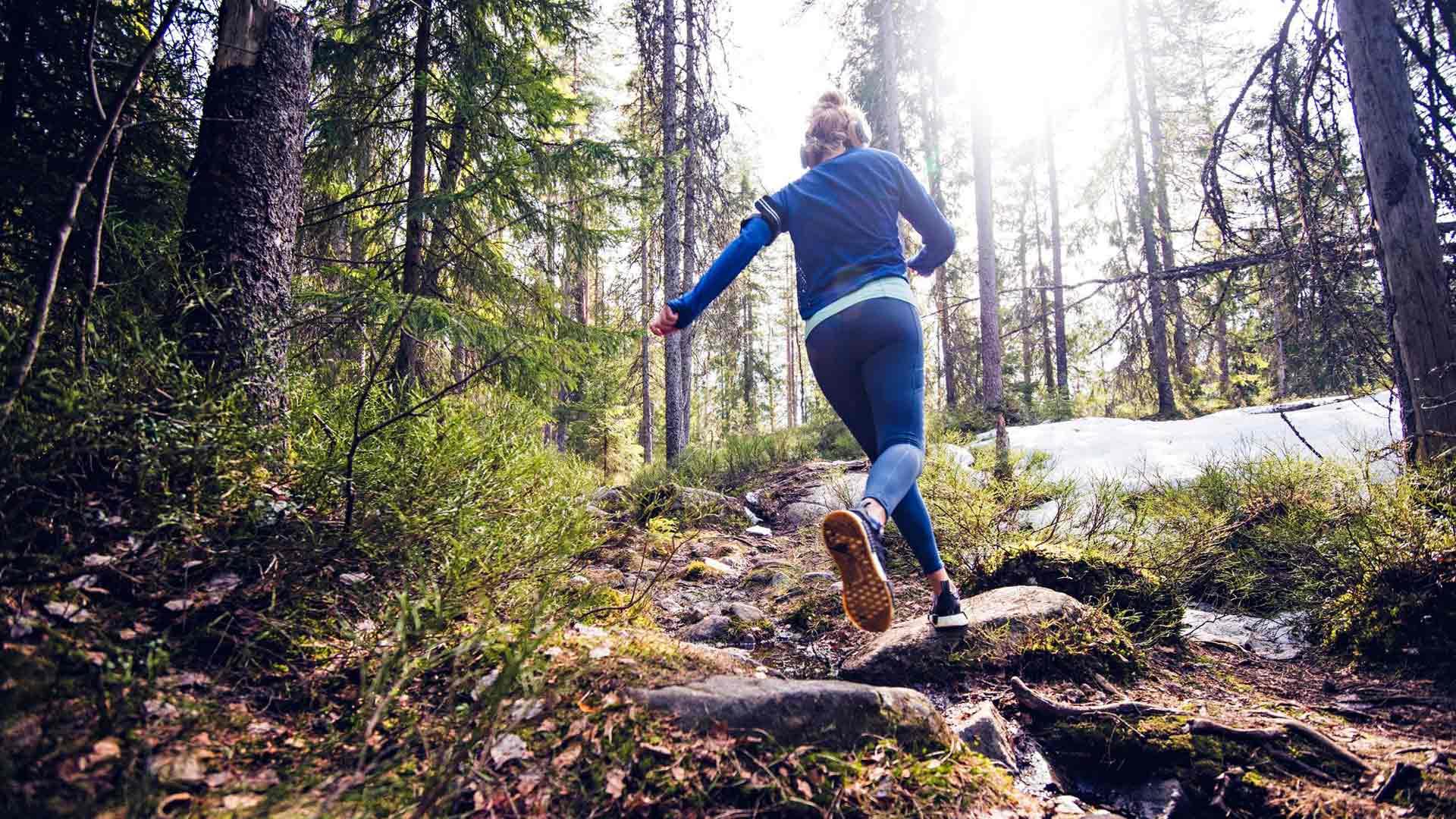 Mutkittelevat, pienet polut tarjoavat vaihtelua juoksijalle.