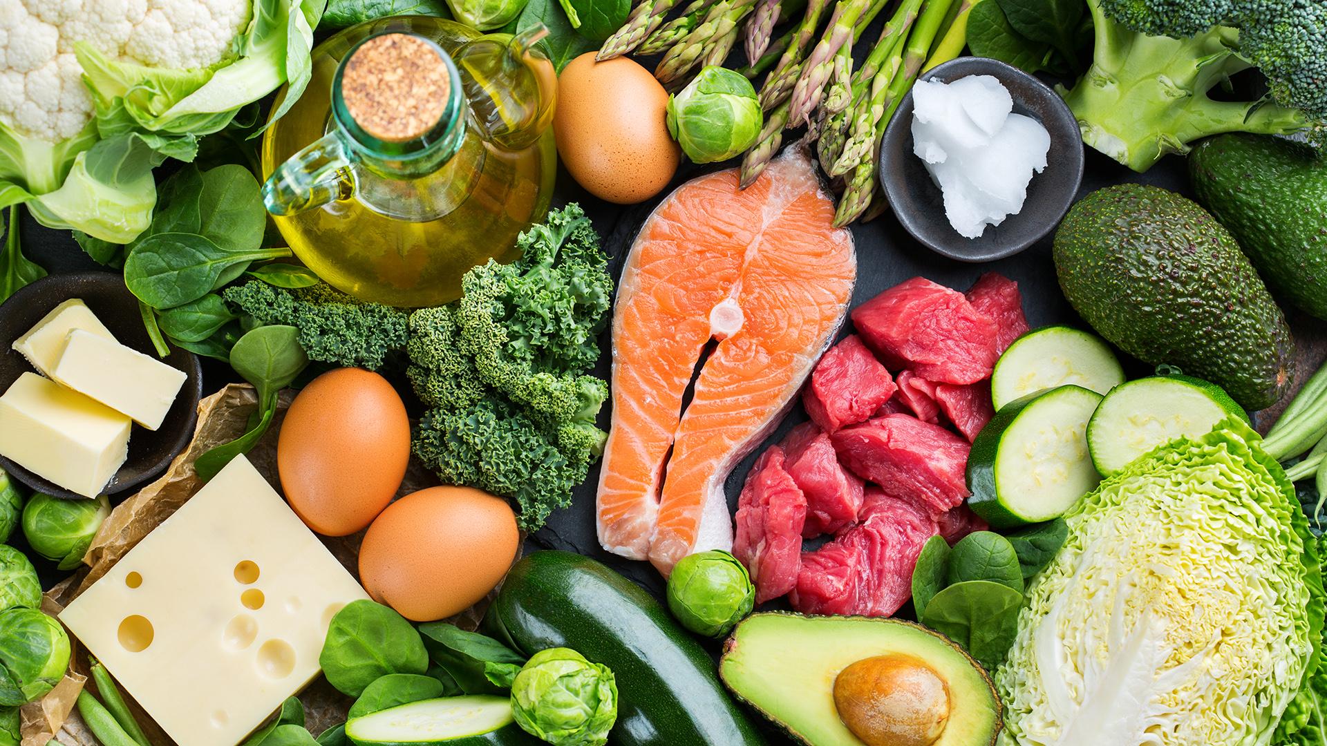 Diabeteksen hoitoon voi olla apua ruoka- ja liikuntapäiväkirjoista.