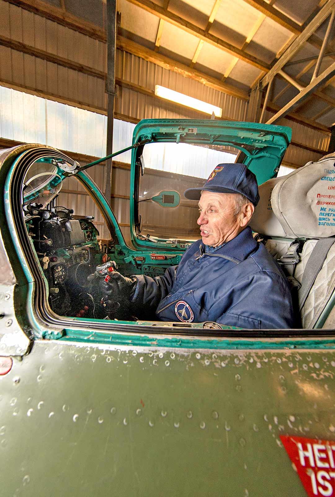 Jyrki Laukkanen istui 36 vuotta kestäneen uransa aikana lentokoneen ohjaimissa noin 18 000 tuntia.