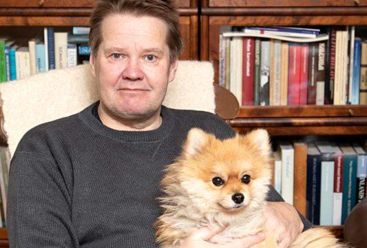 """""""Kävelen proteesilla nykyisin mainiosti, nautin ulkoilusta ja lenkkeilen koiran kanssa."""""""